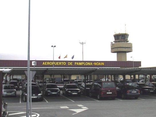 Aumenta un 7,5% el número de pasajeros en el aeropuerto de Pamplona en 2015