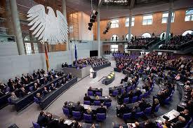 El Bundestag aprueba el tercer rescate de Grecia, con algunas voces contrarias del partido de Merkel