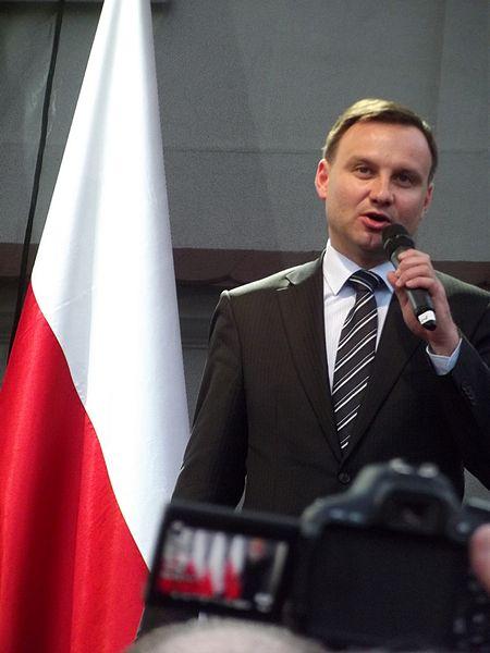 La polémica reforma del Supremo polaco sigue adelante pese a las protestas y el rechazo de la UE