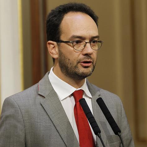 El PSOE dice que con el PP no habrá ni grandes ni pequeñas coaliciones, «no es no»