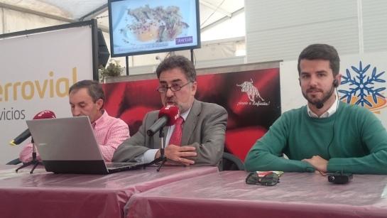 La carpa de la Orden del Volatin en Tudela recibe a Luis del Pino y su programa Sin Complejos
