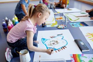 El Ayuntamiento de Pamplona educa a niños, profesores y familias en «igualdad»