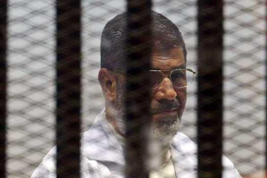 El tribunal militar egipcio dicta cadena perpetua contra 250 seguidores de Mursi