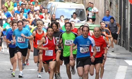 Diez consejos para correr sin riesgos: El 57,6% de los runners navarros han sufrido problemas de salud