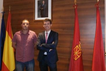 La Caixa aporta 2.000 euros al Ayuntamiento de Santacara para contratar a personas en riesgo de exclusión