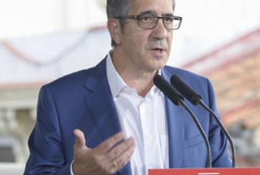 PSOE: «Rajoy quiere sacarnos de la crisis para llevarnos a la pobreza»