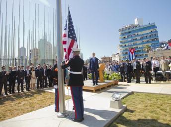 La bandera de EEUU vuelve a ondear en Cuba
