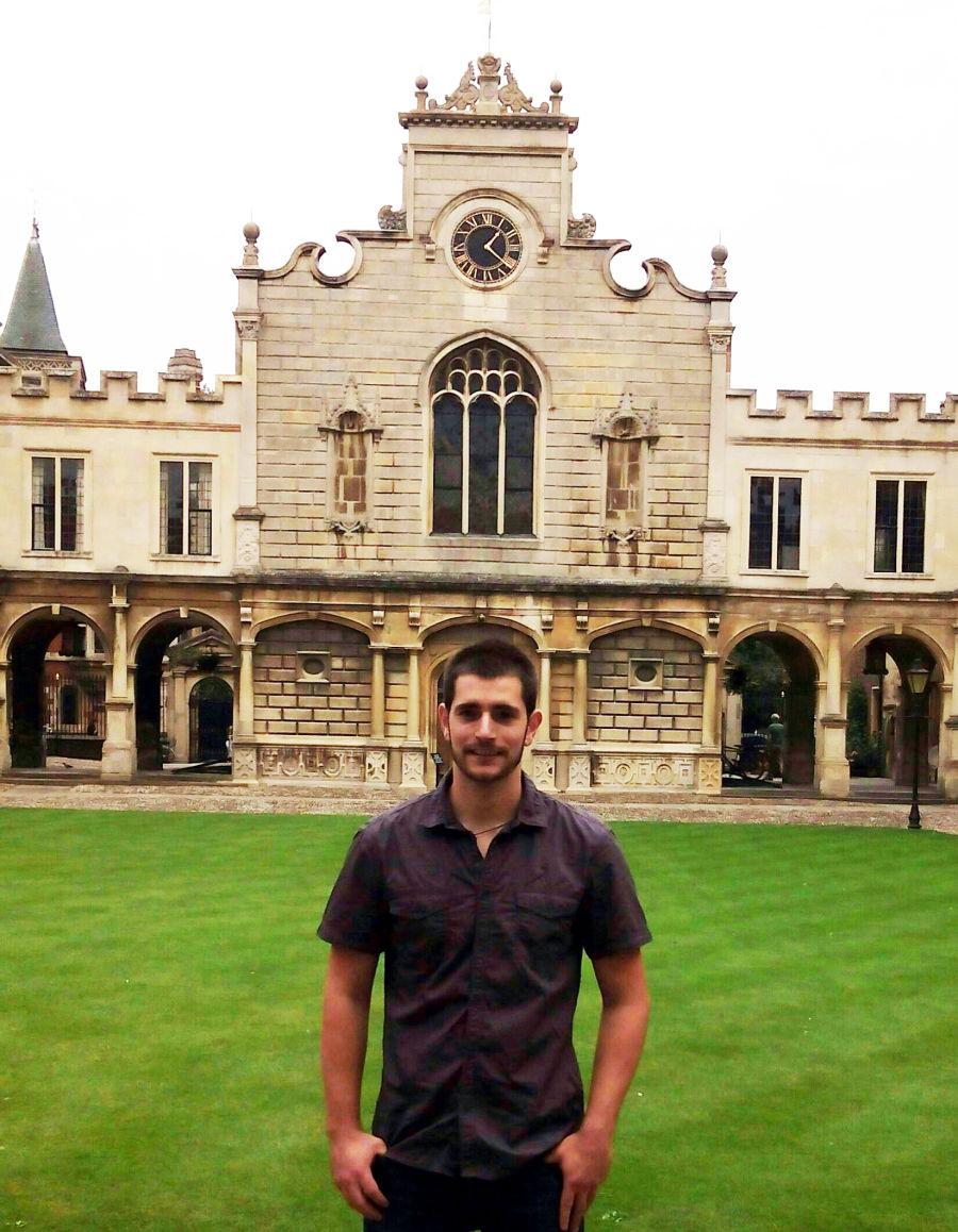 Un graduado de la UPNA realizará un máster en la Universidad de Cambridge con una beca de la Fundación Ramón Areces