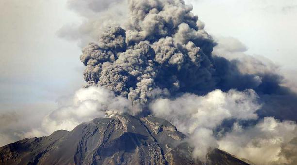 Ecuador declara el estado de excepción ante la actividad del volcán Cotopaxi