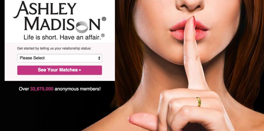 Dimite el consejero delegado de Ashley Madison tras el robo de datos de sus usuarios
