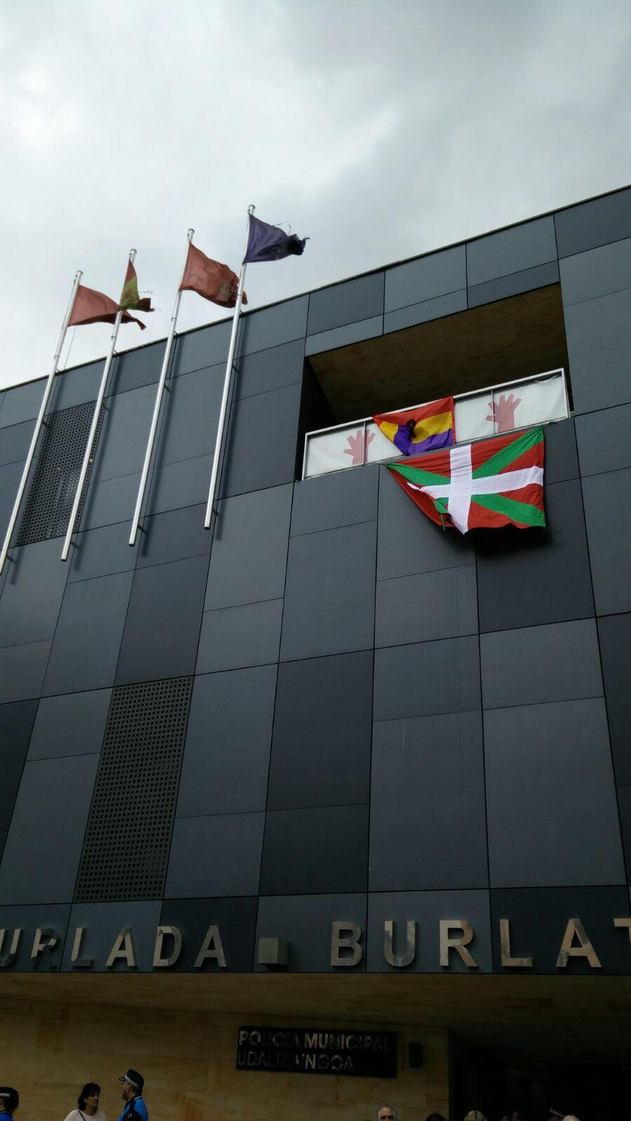 """UPN denuncia la """"campaña orquestada por Bildu para imponer la ikurriña"""""""