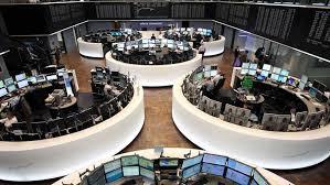 Las Bolsas europeas rebotan y recuperan parte del terreno perdido tras la intervención del banco central de China