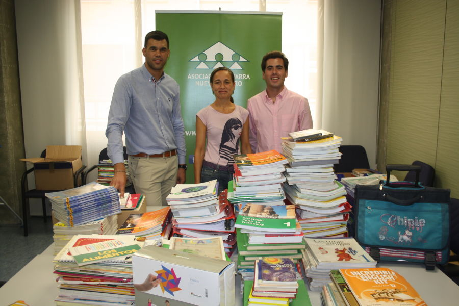 El PPN entrega a la Asociación Nuevo Futuro material escolar