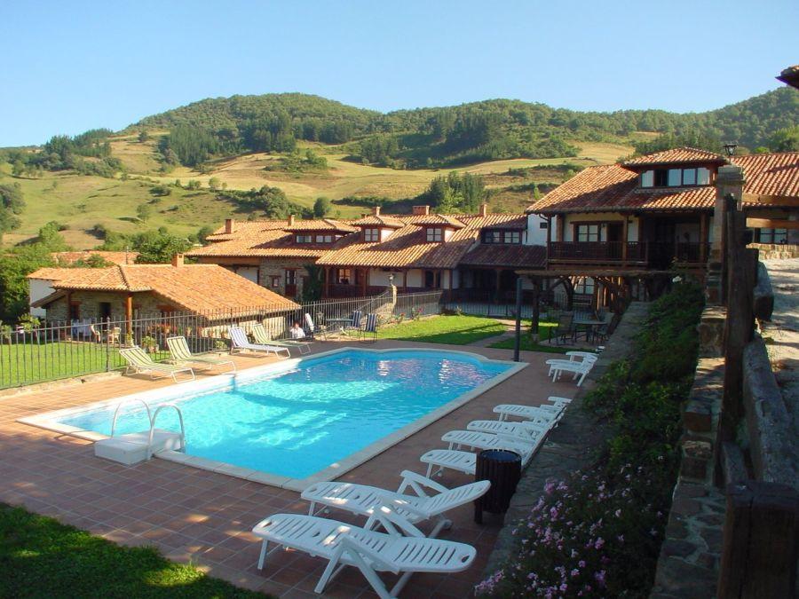 El turismo rural destaca por las preferencias de piscina y barbacoa