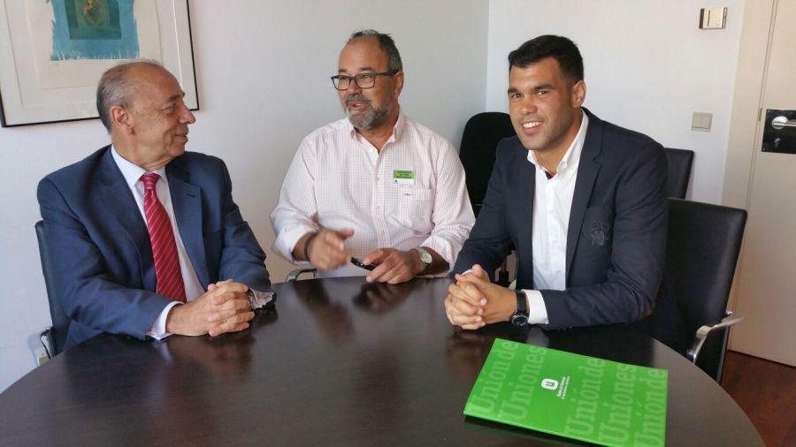 El PPN advierte a la UAGN que las soluciones al sector lácteo «deben venir de Europa»