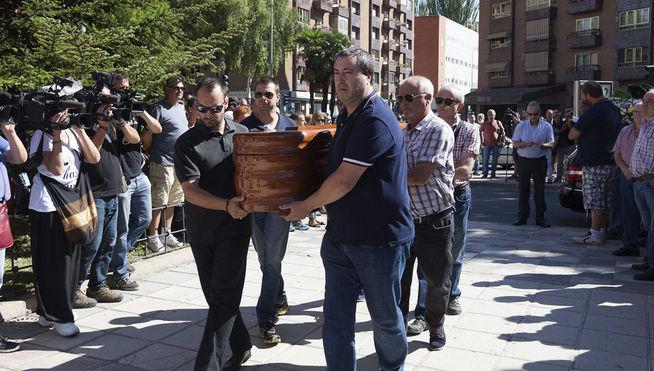 Cientos de personas despiden en Cuenca a Laura y Marina