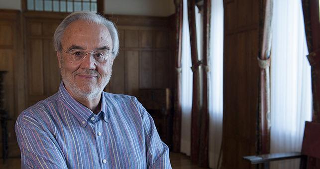 Gutiérrez Aragón afirma que la última revolución en la cinematografía son las series de televisión
