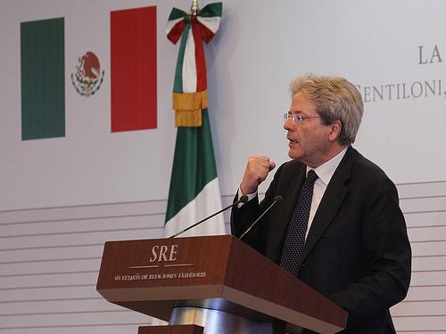 Italia cree que «cerrar los ojos o alzar muros» ante la inmigración no es propio de la UE