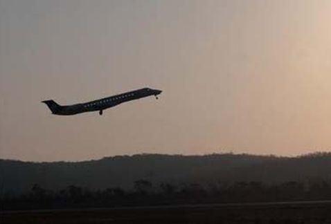 Localizado el avión siniestrado en Papúa con 54 pasajeros a bordo