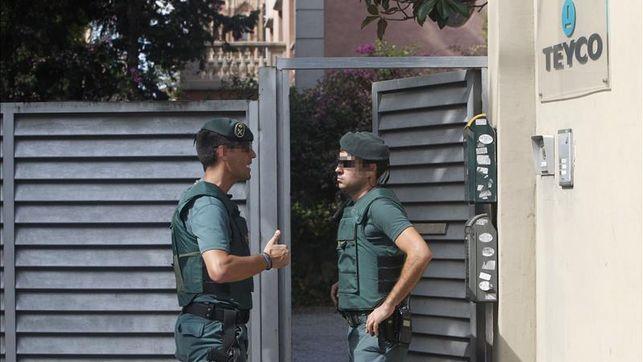 La Guardia Civil registra la fundación de CDC por comisiones ilegales del 3%