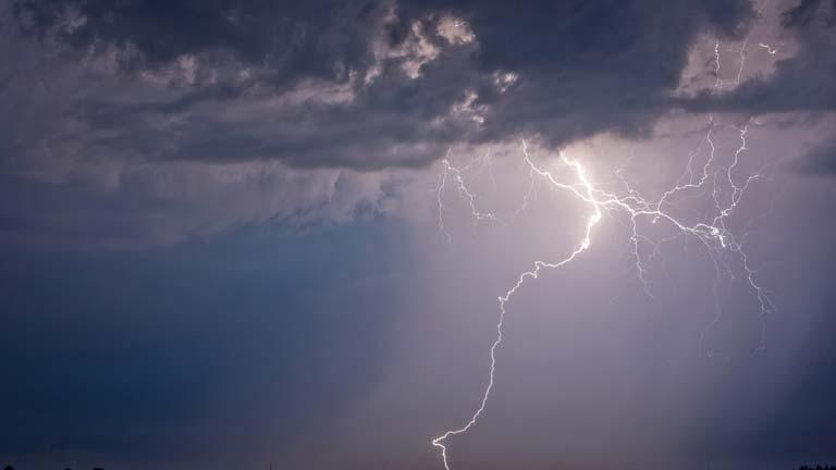 12 provincias españolas en alerta amarilla por lluvias y tormentas