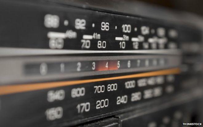 EDITORIAL: Emisoras de radio en Navarra