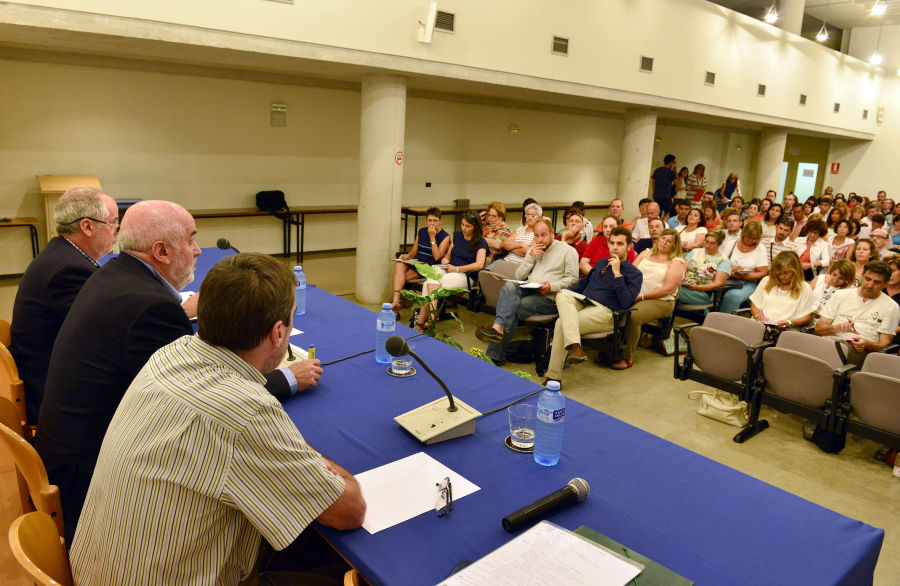 Mendoza confirma que el PAI se implantará en el curso 2015-16 en los centros que lo tenían previsto