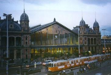 Hungría cierra su principal estación de tren y deja atrapados a cientos de refugiados