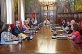 El Gobierno de Navarra cesa y sustituye a los directores de Educación, pero niega crisis