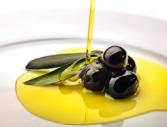 Una dieta mediterránea suplementada con aceite de oliva o frutos secos no provoca sobrepeso
