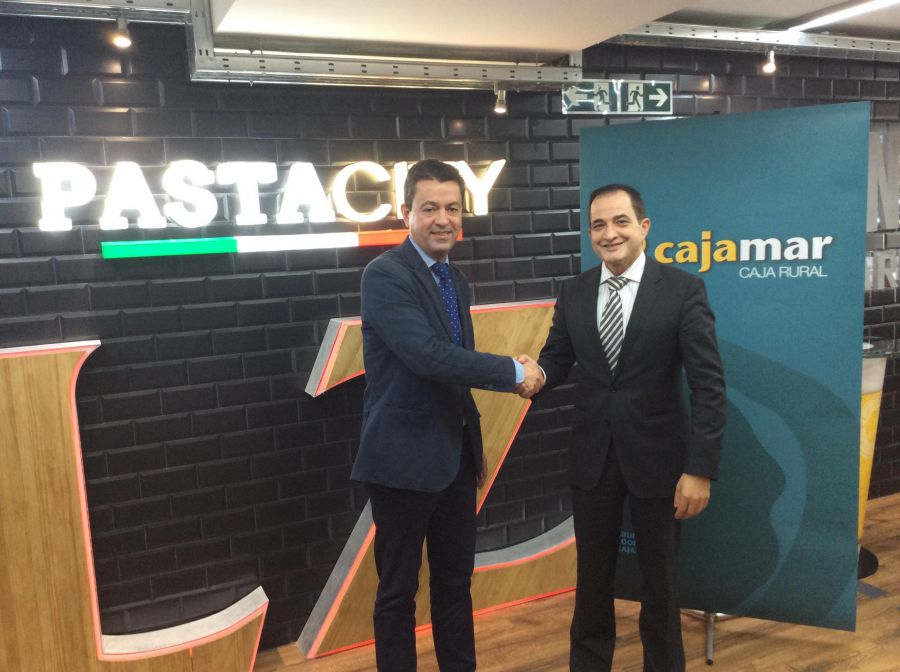 Cajamar firma un convenio con el sector de restauraci n for Cajamar valencia oficinas