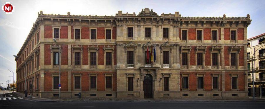 La fachada del Parlamento de Navarra se iluminara esta noche de blanco