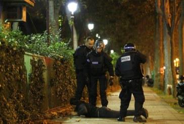 El Gobierno francés eleva a 129 la cifra de muertos y pide a los parisinos que no salgan de sus casas