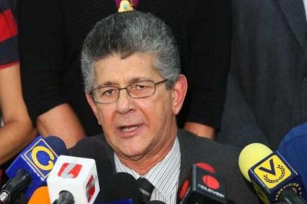 La Asamblea de Venezuela acata la orden del Supremo y separa los diputados suspendidos
