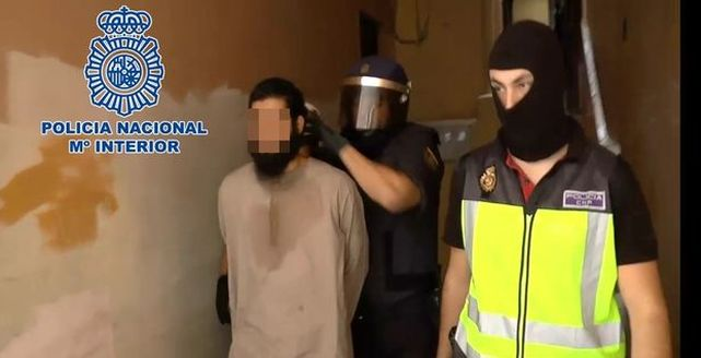 El líder de la célula desarticulada en Melilla reconoce que captaba a yihadistas