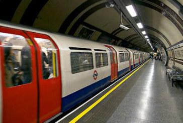 Un hombre arrestado por supuesta posesión de una bomba en una estación de Londres