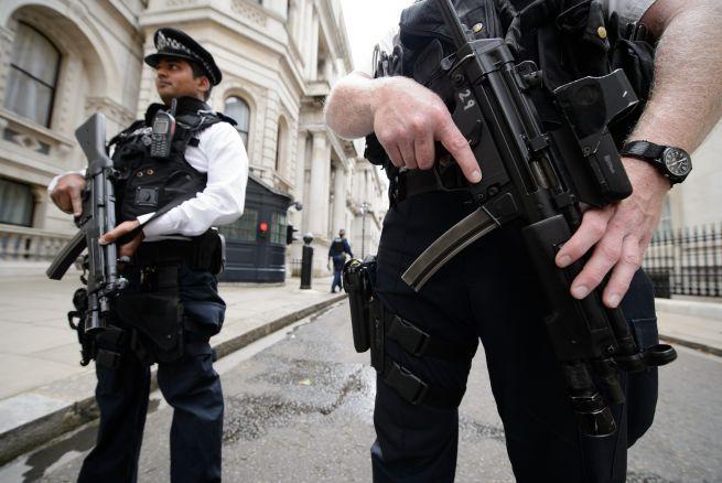 La Policía británica podrá disparar contra conductores que vayan a atentar