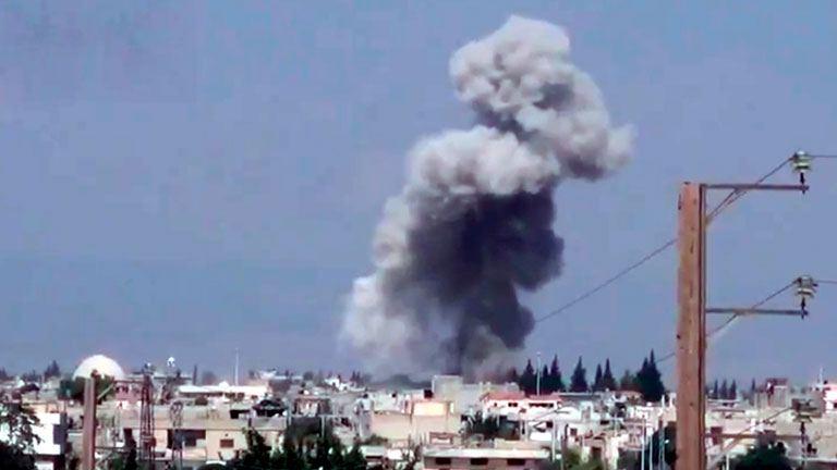 Al menos 15 muertos por bombardeos en zonas bajo el control de EI en Alepo