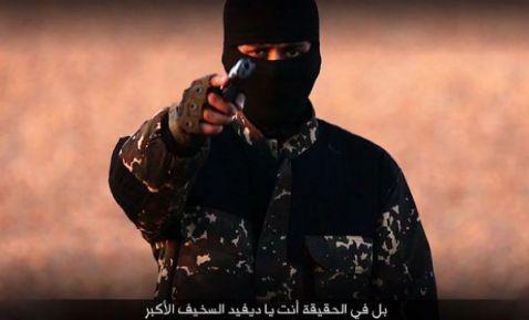 """EI difunde un vídeo con la presunta ejecución de cinco """"espías"""" británicos"""