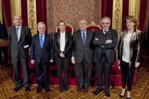 La Presidenta y el secretario de Estado, con los Presidentes del Gobierno foral Alli, del Burgo, Sanz y Barcina