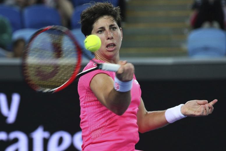 Carla Suárez remonta un 0-6 y regresa a cuartos de final en Melbourne