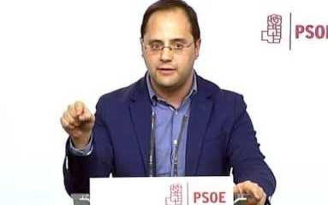 """Luena asegura que pactar con el PP es """"indultarlo"""""""