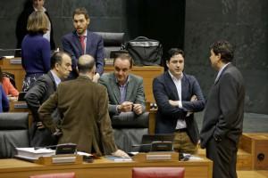 García Adanero, Javier Esparza, Óscar Arizcuren, Luis Casado, Alberto Catalán (UPN) Ainhoa Unzu (G.P. PSN)Ainhoa Unzu (G.P. PSN)