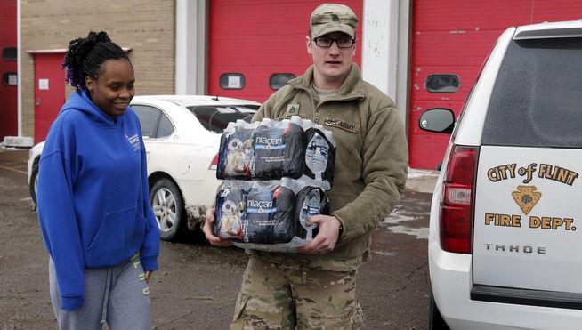 Obama declara el estado de emergencia en el estado de Michigan por agua contaminada
