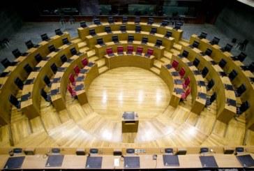 Ningún candidato es elegido en la primera votación en el Parlamento navarro
