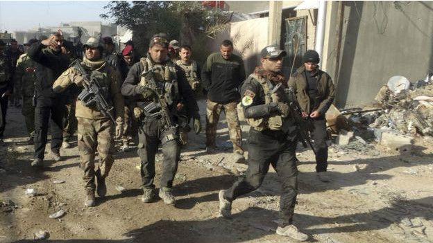 Mueren 12 miembros de fuerzas iraquíes y 27 yihadistas en ataques y choques