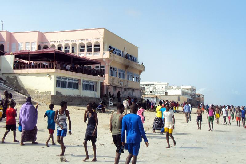 Ascienden a 20 los muertos en un ataque de Al Shabab a un hotel de Mogadiscio