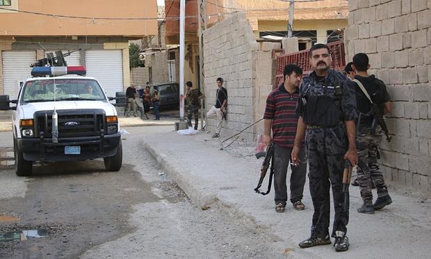 Más de 40 policías muertos en ataques suicidas del EI en el oeste de Irak