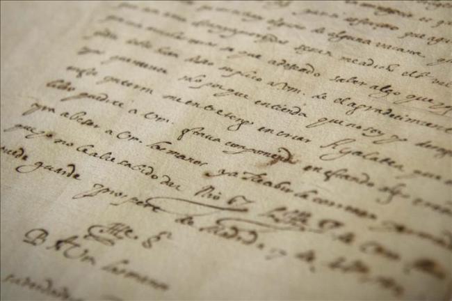 """Los doce autógrafos existentes de Cervantes contienen """"el ADN"""" del escritor"""