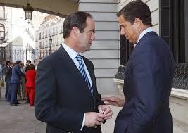Exministros de PSOE y PP piden un Gobierno de amplio respaldo y una reforma de la Constitución en dos años